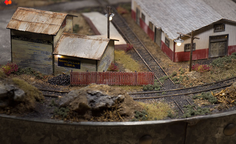 Grinched | N Scale Post-Christmas Layout | Final | Raildig com