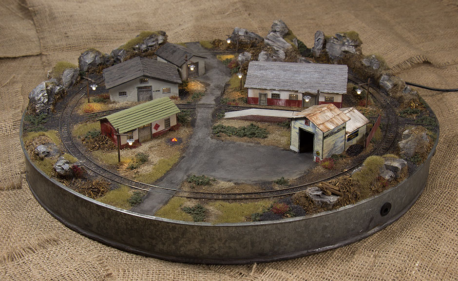 Grinched n scale post christmas layout final - Ho scale layouts for small spaces concept ...